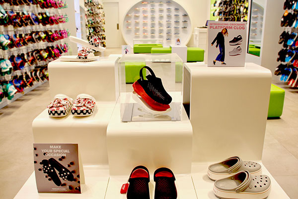 9427eb915595b4 Crocs open a new flagship store at Mall of the Emirates – Apparel Group
